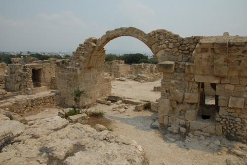 Walk to archeological places of interest