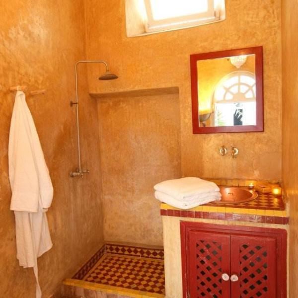 Ground floor shower room (we now provide linen & cotton hamman-style towels)