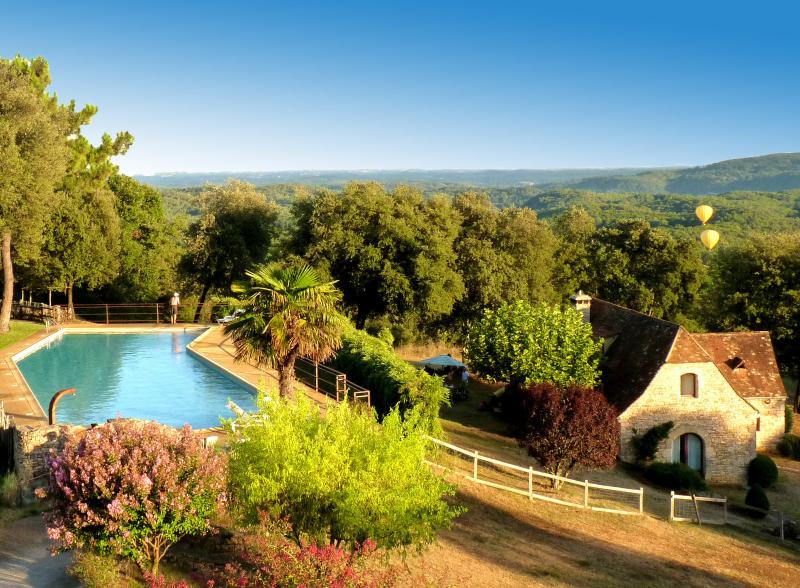 Sarlat charming house overlooking Dordogne valley, holiday rental in Saint-Vincent-le-Paluel