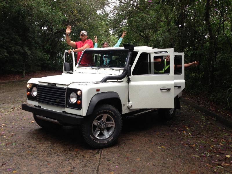 Let's enjoy the beauty of Rio ! Land Rover day tour available !