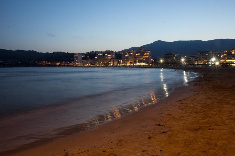 Playa de la Concha en Oropesa, a 7 km de la casa.