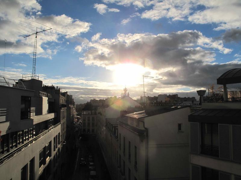 met het oog op Bastille, vanaf het balkon