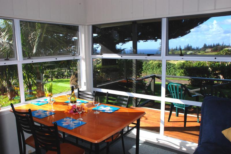 Cascade Garden Apartments, location de vacances à Burnt Pine