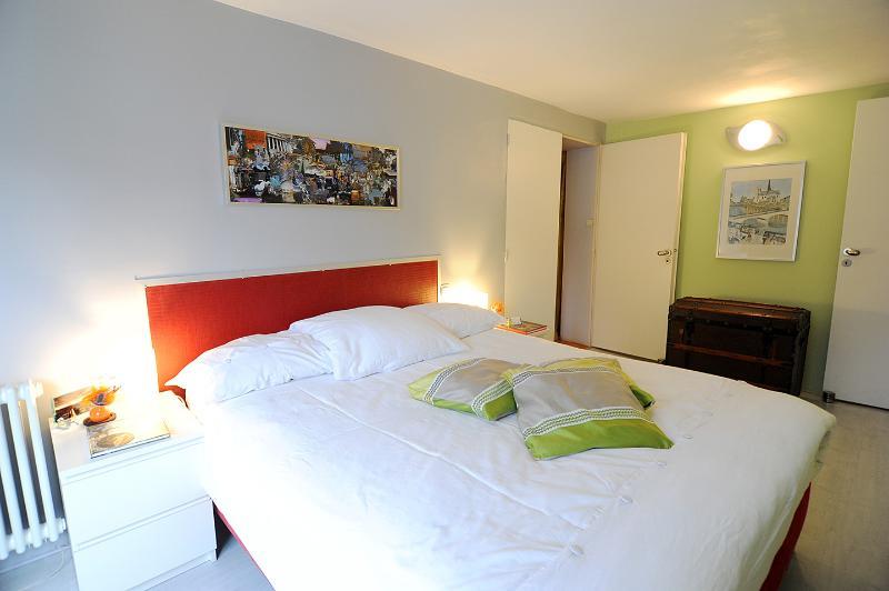 uw slaapkamer met tweepersoonsbed