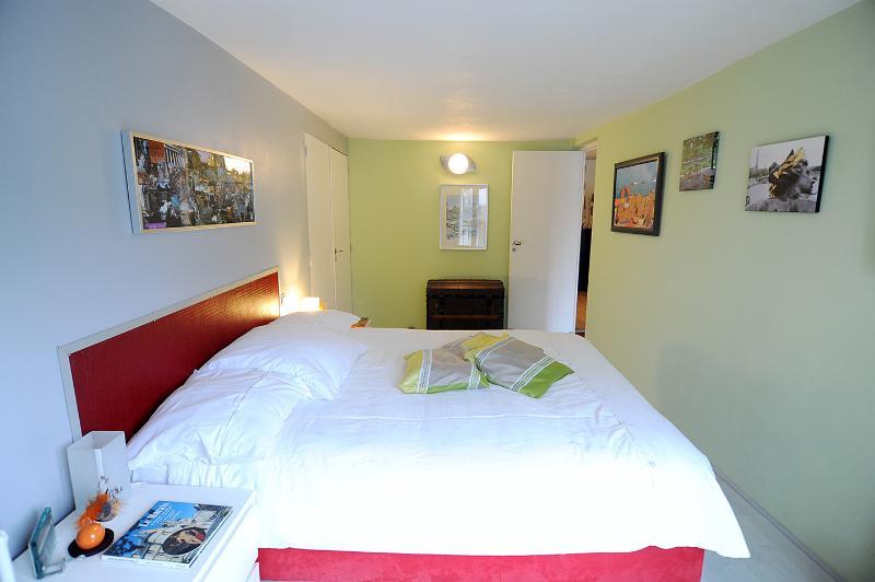uw slaapkamer en toegang tot uw tweede kamer aan de rechterkant