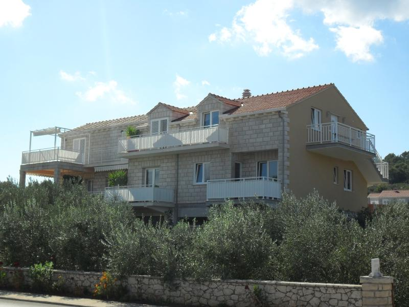 Villa LAGUNA, vacation rental in Lumbarda