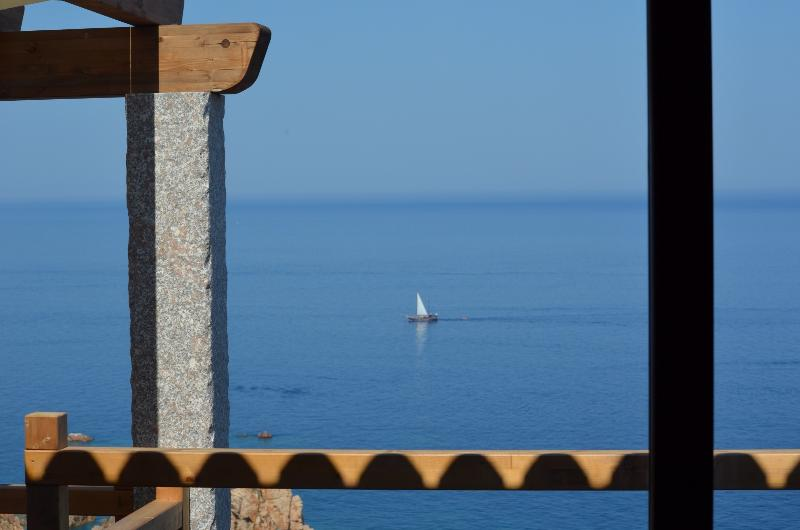 Ultrapanoramica Costa Paradiso, holiday rental in Vira