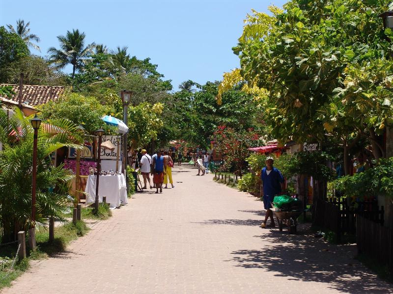 Praia Do Forte High Street for all of your shopping and culinary needs