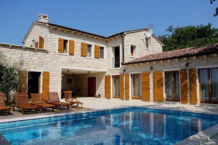 VILLA NATASHA, location de vacances à Fiorini