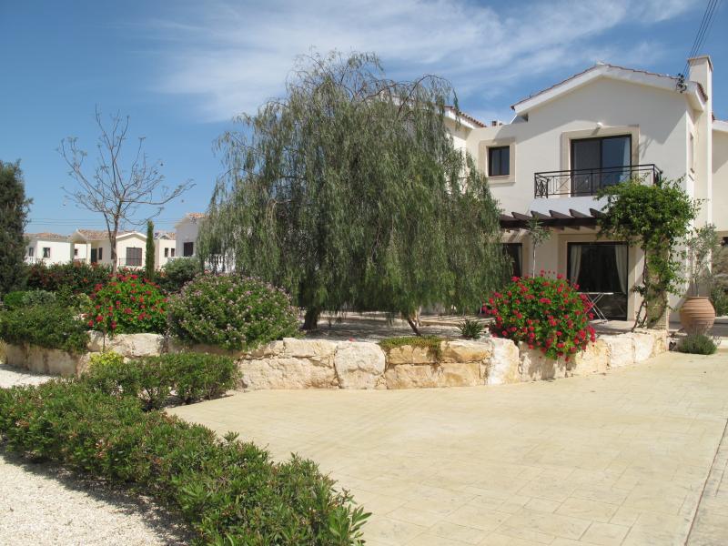 Front view of Villadelphia and garden.