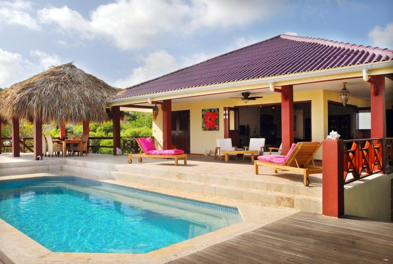 Comfortabele villa met een adembenemend uitzicht.
