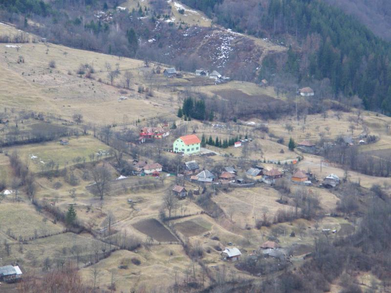 Large view of  Aries Valley  and  guesthouse