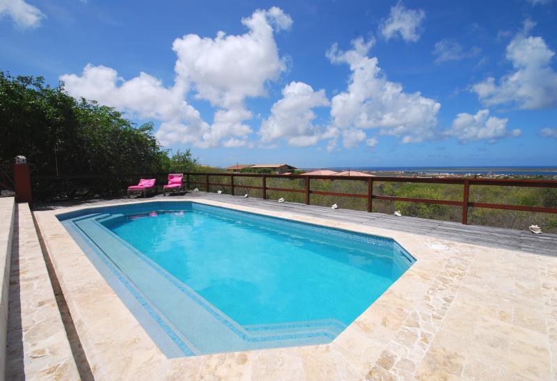 Disfrutar de nuestra piscina de agua salada!