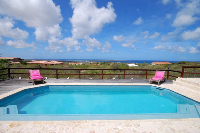 Swimming pool with a great view over Bonaire, Klein Bonaire and the Caribbean Sea