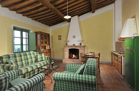 Casabianca Villa Sleeps 2 with Pool Air Con and WiFi - 5229050, holiday rental in Farnetella