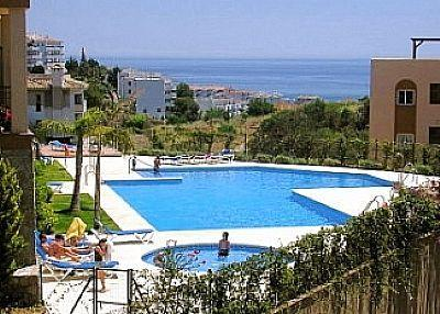 Paraiso Riviera, 2 bedroom apartment with WiFi, vacation rental in Sitio de Calahonda
