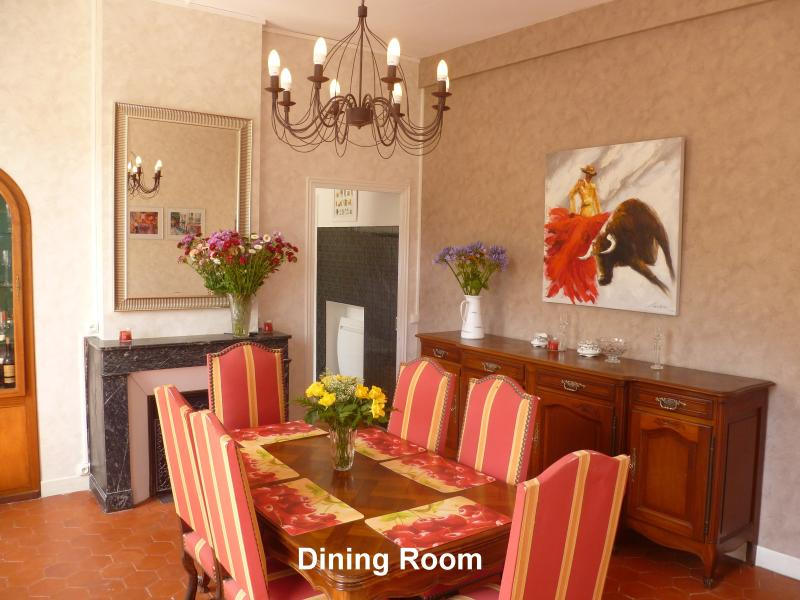 Dining Room - seating for up to 10