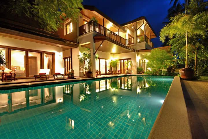 Villa (Baan) Jasmine e piscina privada à noite
