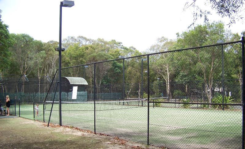 Das Resort verfügt über zwei Tennisplätze