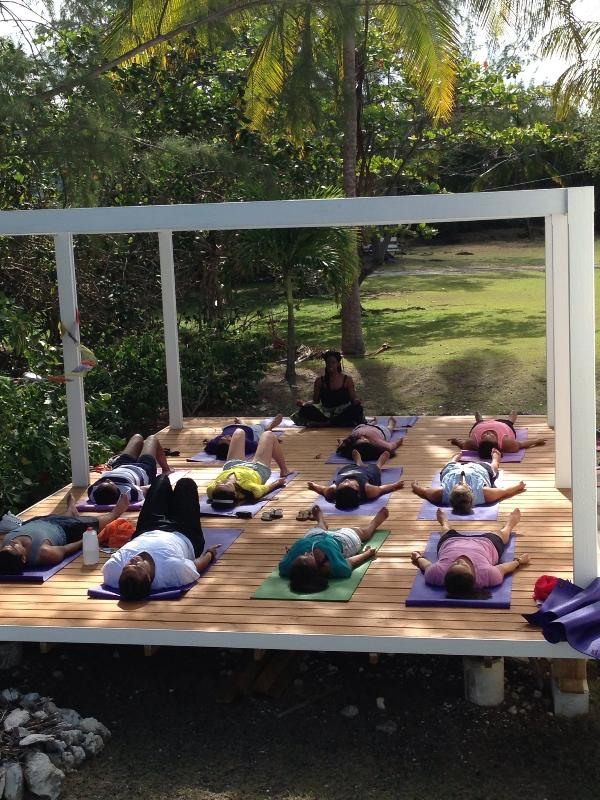 Ideal für Retreats - Studenten an Deck mit Monica