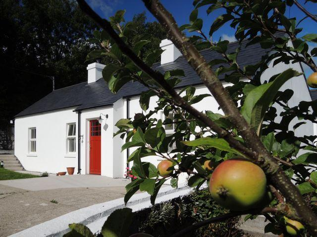 Sally's Garden Cottage, holiday rental in Meigh