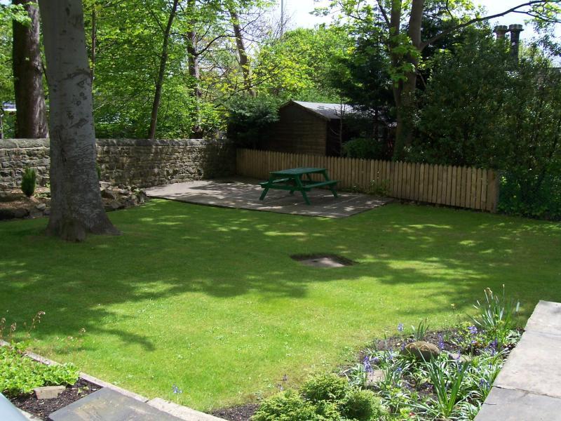 Front Garden & second patio