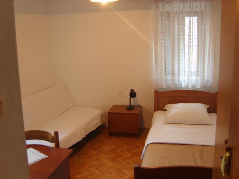 singlebed room