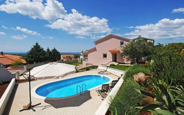 Istra, Villa with private pool nearly Poreč, holiday rental in Kastelir