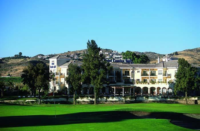 Hotel on Los Lagos golf course