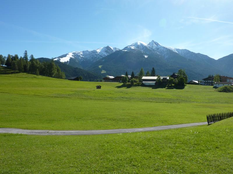 TOP LOCATION - SPACIOUS - VIEWS - 3 bedrooms - open fire place, holiday rental in Leutasch