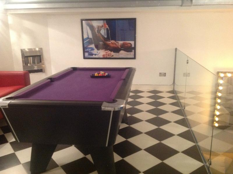 Enjoy a game of pool with friends/en suite bar
