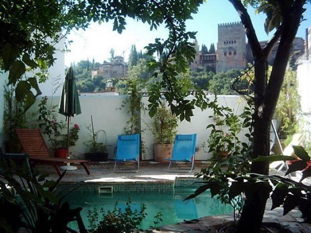 Albayzin, vista Alhambra, jardín, piscina, max 3, vacation rental in Granada