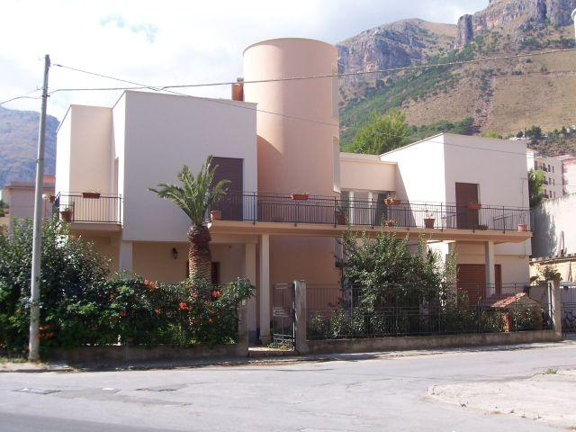Apartamento de 2 habitaciones en Castellammare Del, holiday rental in Castellammare del Golfo