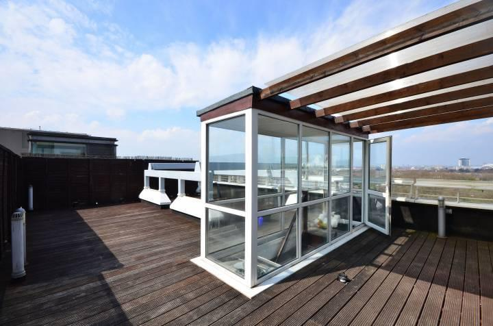 Private roof terrace recently refurnished. New picture to follow.