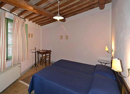 Casabianca Villa Sleeps 4 with Pool Air Con and WiFi - 5229053, holiday rental in Farnetella