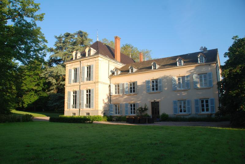 Maison Les Bardons with pool, holiday rental in Saint Bonnet des Quarts