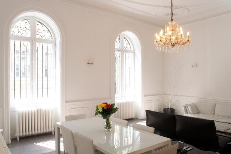 Hold an elegant dinner party, or relax in the lounge room