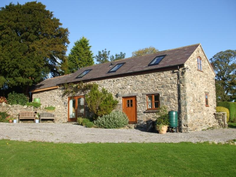 Gwenoldy is a luxuriously converted 18th century stone cottage