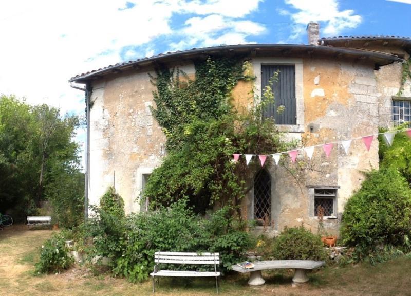 La Pedrix ~ La Chapelle, vacation rental in Saint-Martin-de-Ribérac