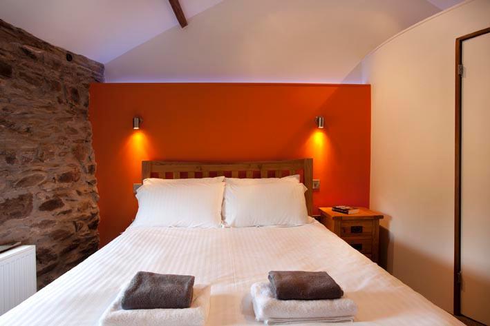 Oat - Bedroom