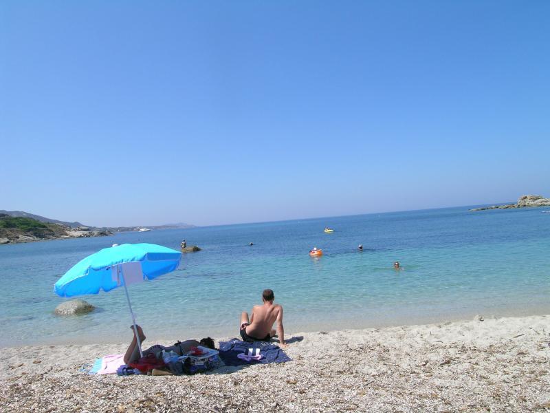 Bain ur la plage de Fornello