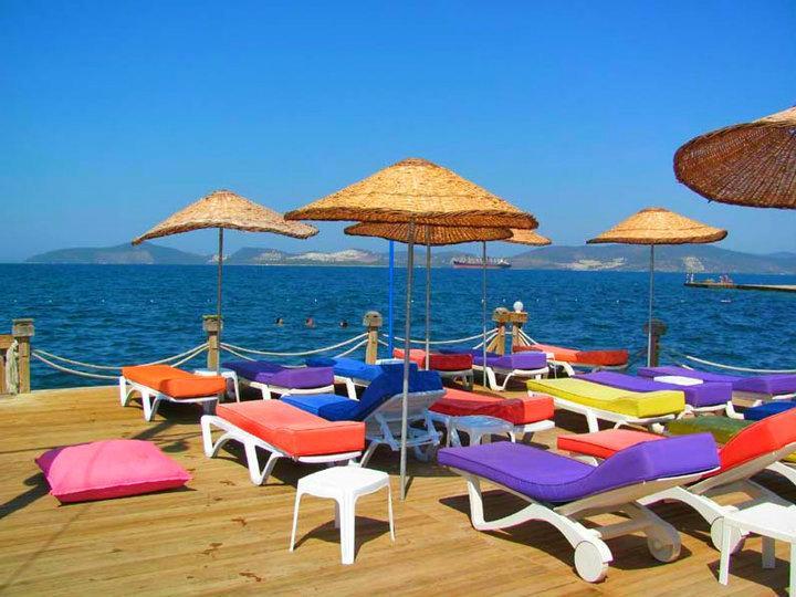 Swimming and sunbathing pontoon, Gulluk beach