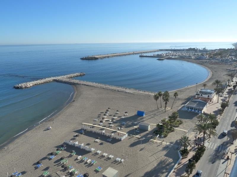 Beachfront Stella Maris Studio, holiday rental in Fuengirola