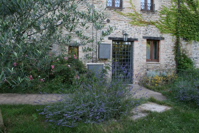 the entry of 'ai Piedi della Torre'