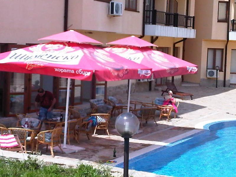 Oasis Poolside Bar