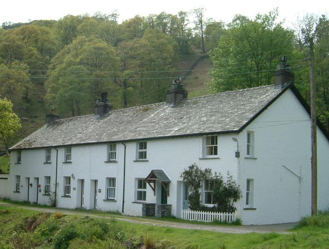 Hause Gill Cottage - the first of a row of cottages with private parking by the side