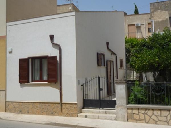 Appartamenti CVC 'Anna' Loc. Tur. da Privati  a 20 km da San Vito Lo Capo, location de vacances à Custonaci