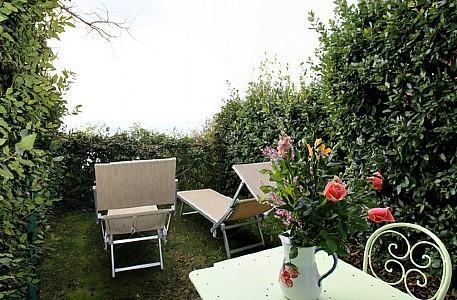 Bomerano Villa Sleeps 2 with Air Con and WiFi - 5229066, holiday rental in Nocelle