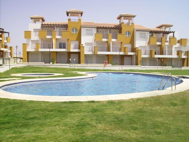 Acogedor apartamento con Wi-Fi en urbanización privada con amplia terraza, vacation rental in Vera