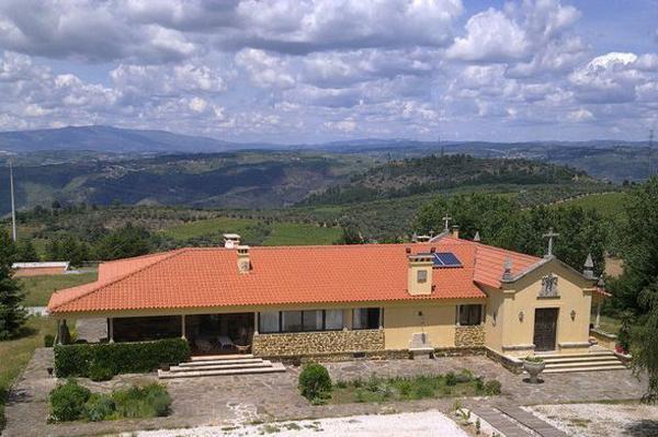 Casa da Raposeira (Apartment 2), Douro Valley, location de vacances à Tabuaco
